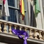 crespón violeta en balcón diputación